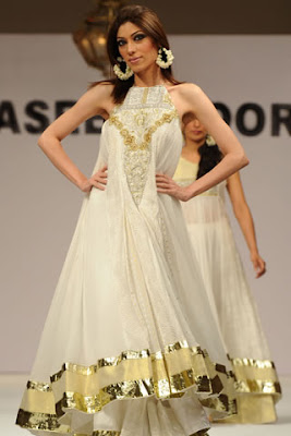 designer dresses from top Pakistani fashion designers