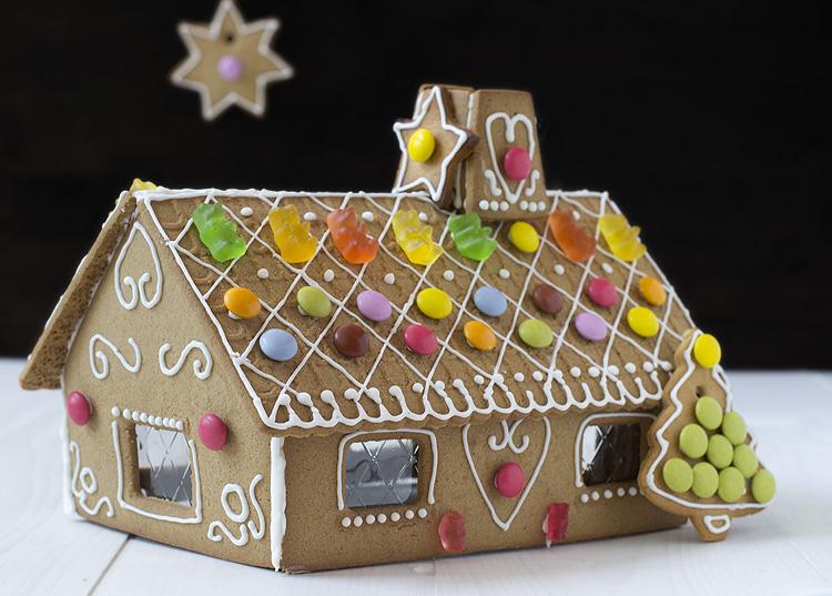 Gingerbread house casita de jengibre - Casa de jengibre ikea ...