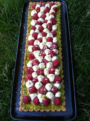 """alt=tarte framboises et chantilly mascarpone à la pistache"""""""