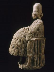 Sacerdotisa con faldellín sumerio