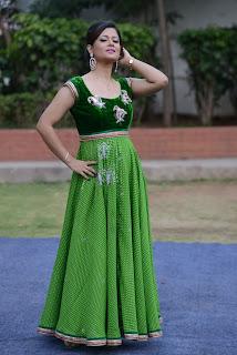 Shilpa Chakravarthy gorgeous stills 003.jpg