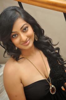 Actress Tanishka Hot Cleavage Photo Gallery