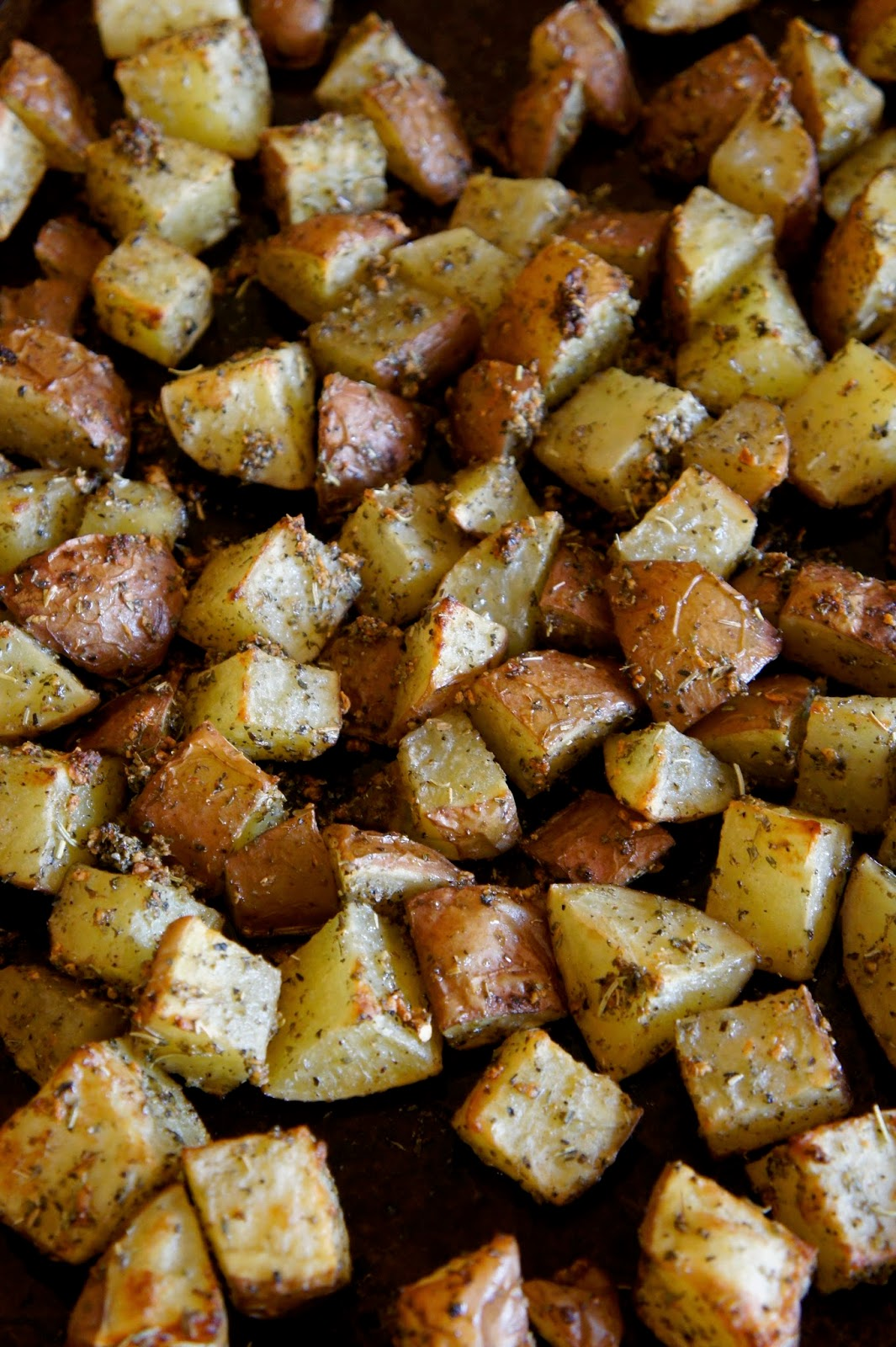 Garlic Roasted Potatoes: Savory Sweet and Satisfying