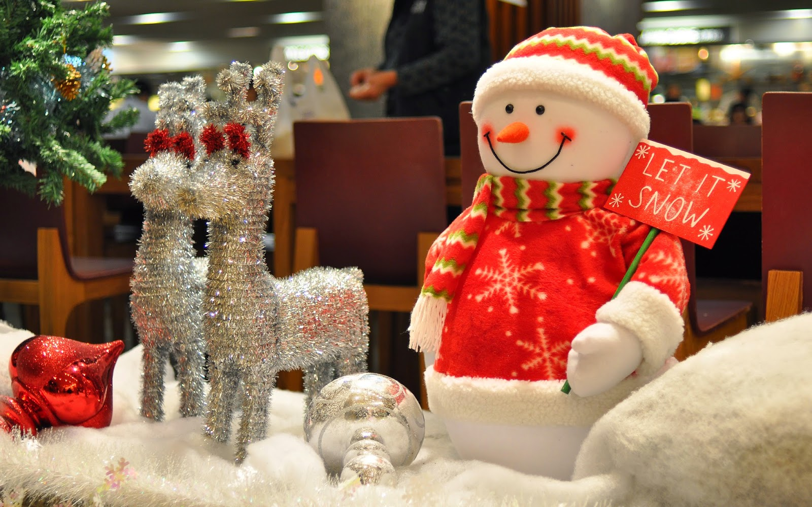 let-it-snow-snowman-board-doll-home-decoration-ideas-images-wallpapers-HD.jpg