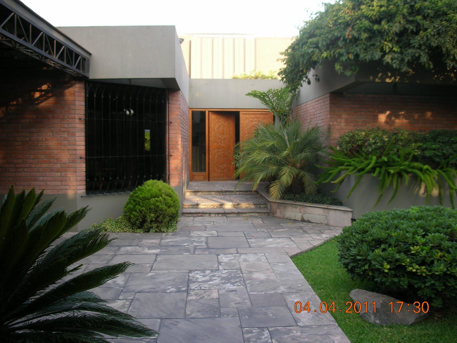 Mercedes g hidalgo inmobiliaria casas la molina venta for Jardines de casas modernas