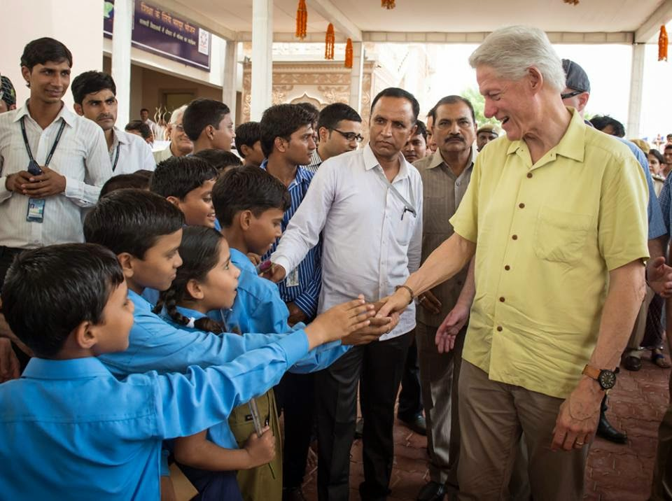 Clinton visits to Akshaya Patra