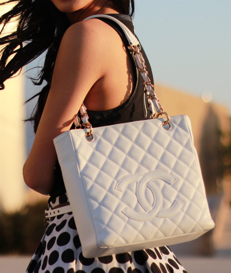 white caviar chanel petite shopping tote pst