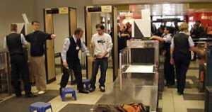 Hindari Memakai Beberapa Barang Ini Saat pemeriksaan Di bandara