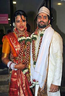 Sameera Reddy gets married to businessman Akshai Varde!2.jpg