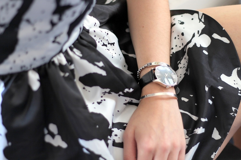 peexo fashion blogger arm candy monochrome