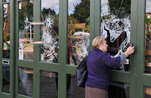 foto-kerusuhan-london-inggris-2011-14