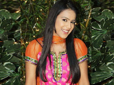 Maanvi (Nia Sharma) Cute, Stylish , Cool ,biography , hieght , boyfriend , Images