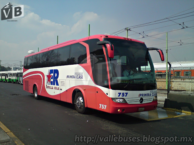 Vallebuses 0229 estrella roja pullman primera clase for Mercedes benz oc