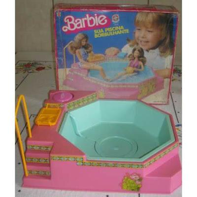 Melissas afins nostalgia dos anos 80 for A piscina da barbie