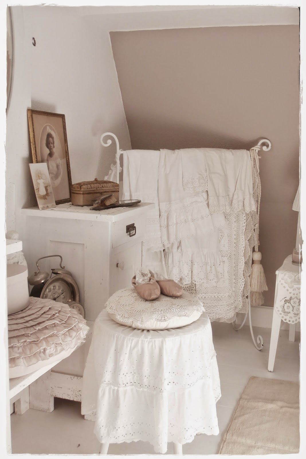 shabby shabby chic and kamine on pinterest. Black Bedroom Furniture Sets. Home Design Ideas