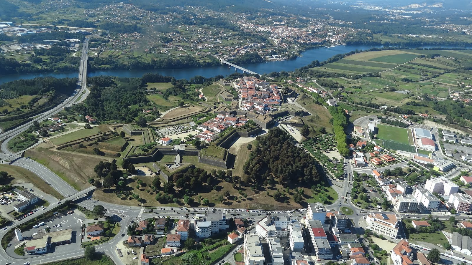 Valenca Portugal  City pictures : Minho: Mulher sobrevive após queda de um 4º andar c/vídeo ...
