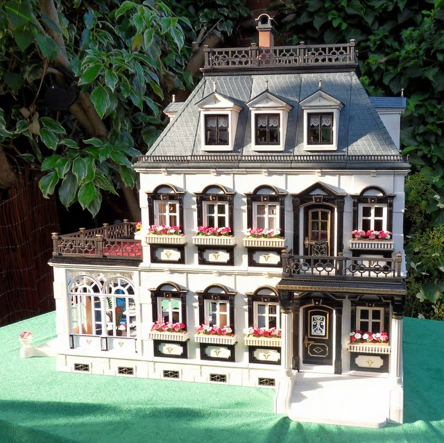 Painted furnished victorian mansion 5300 emma j 39 s for Mansion de playmobil
