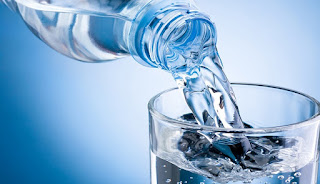 4 Alternatif Penghilang Dehidrasi Selain Air Putih
