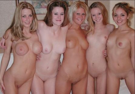 Sexe de groupe avec des femmes matures - 4 TubeGold