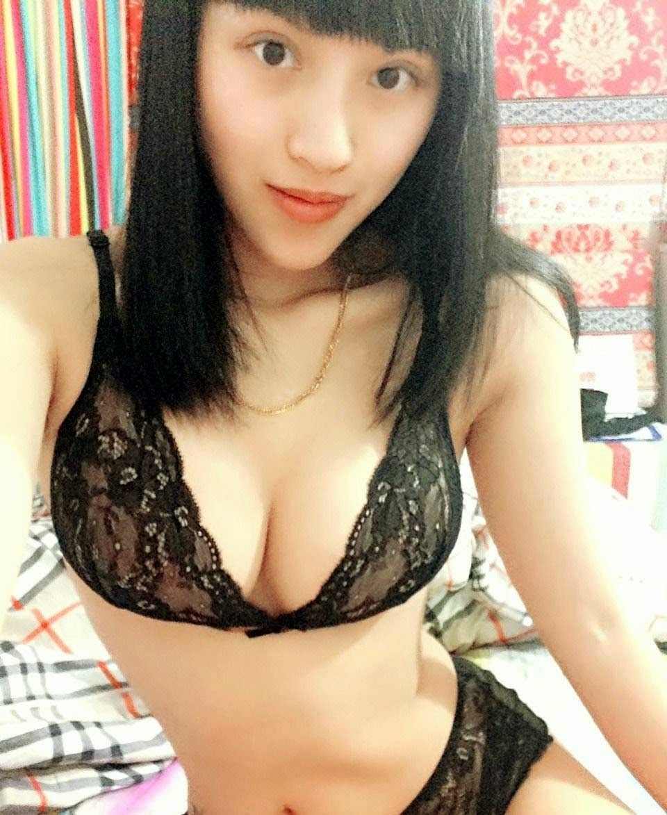 Chinese F Cup Model Lee Hao Hao is famous on Weibo   nudesibhabhi.com