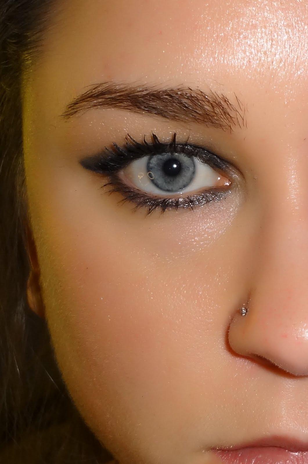 Bluesilver Party Eye Makeup