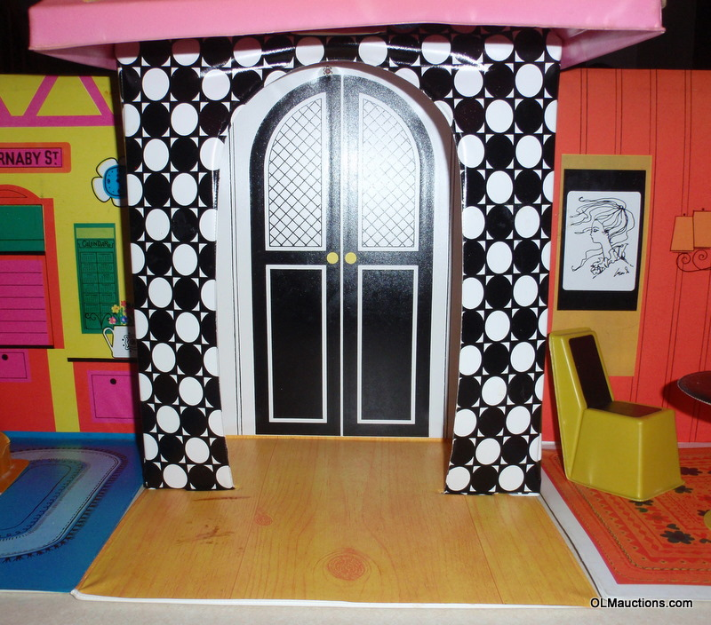 Internet Superstores Vintage Barbie Doll Family House By