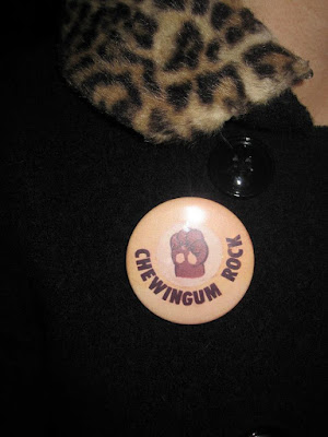 chewingum rock nicky bulldog badge pinback button pin