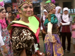 Foto Gadis Cantik Karnaval 2013