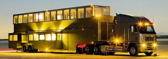 Sempoi - Villa Mewah Trak Dua Tingkat Milik Ashton Kutcher