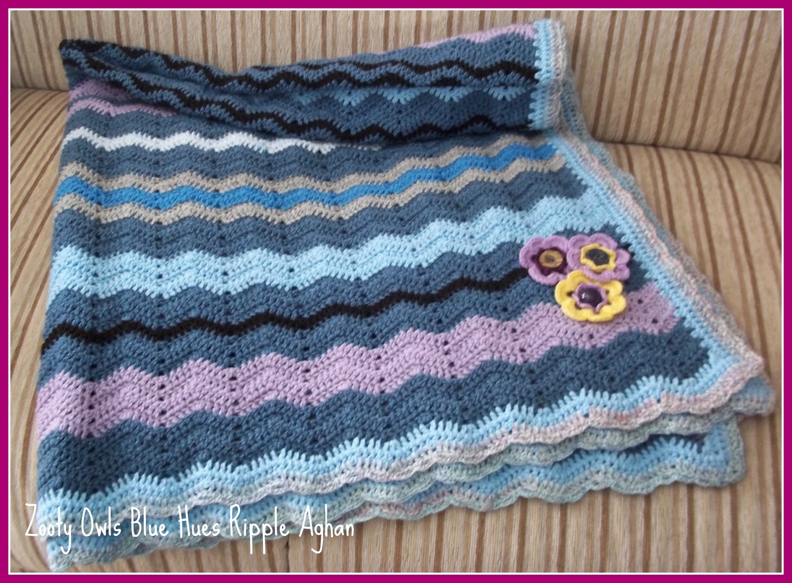 Zooty owls crafty blog ripple crochet afghan blue hues the border is simply two rows of double crochet in baby blue a row of double crochet and a row of single crochet and chain in some oddment of variegated bankloansurffo Images