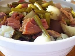 1 pot, soup, leftovers, Christmas, Ham, Ham bone, cold weather, cold weather food, freeze well, Sara Stakeley, greens, potatoes, green beans, slow cook, hearty, PA, PA Dutch, family tradition,