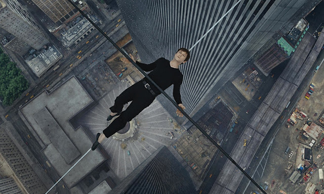 "Joseph Gordon-Levitt defies death as Philippe Petit in ""The Walk"""