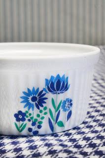 Petit pot/ramequins fleurs bleues & vertes - Années 70 par la puce au grenier