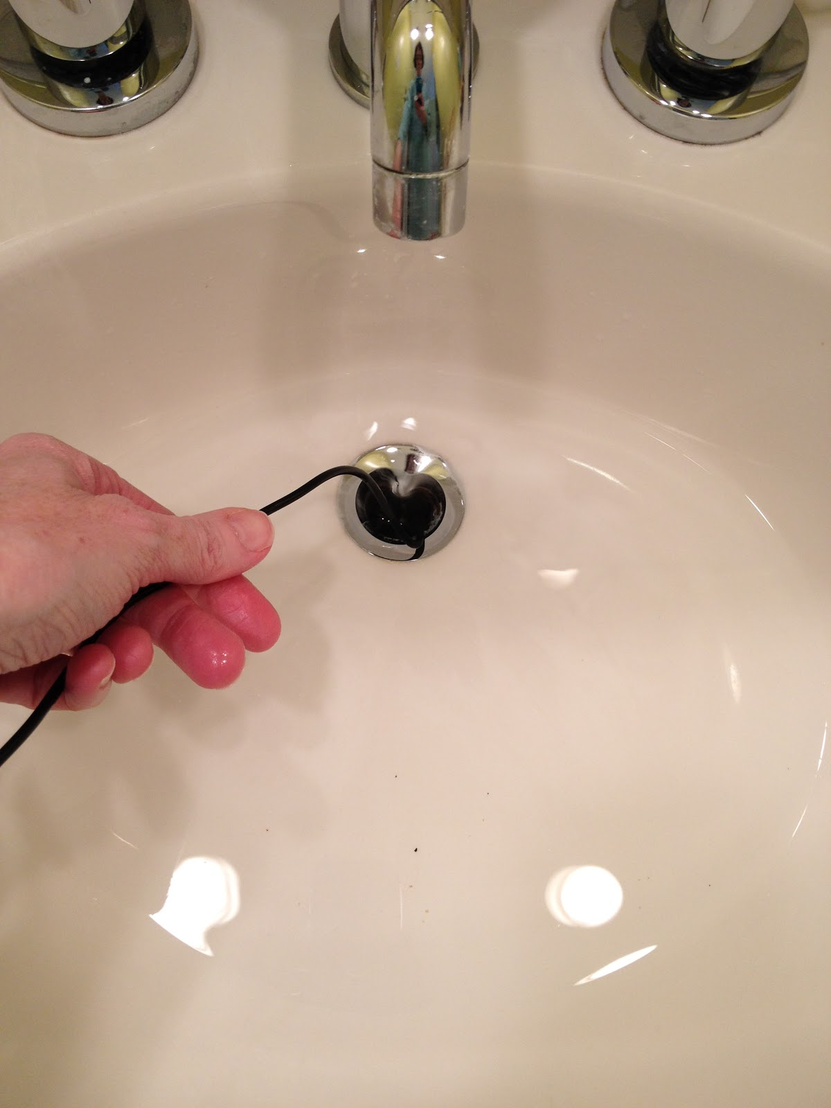 Clean your bath kitchen drains naturally family - How to clean bathroom sink drain ...
