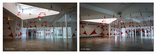 14 triangles percés-penchés - felice varini à La Villette 2015 © Laura Prospero
