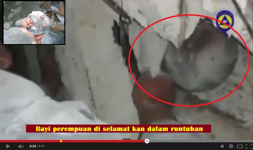 Video Bayi kecil diselamatkan tertanam 16 jam dalam runtuhan