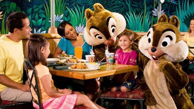 Almoço Jantar Personagens Disney