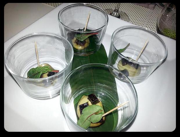 entrante de aguacate y atún - tastem restaurante japonés