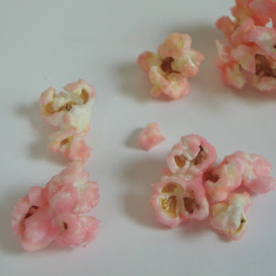 Cherry Cotton Candy Popcorn-just like eating cotton candy at the fair but in popcorn form!