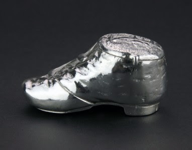 ANTIQUE 19thC RARE GERMAN SOLID SILVER SHOE SHAPED SNUFF BOX c.1890