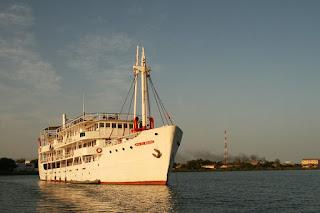 kapal pesiar bersejarah  Bou-el-Mogdad