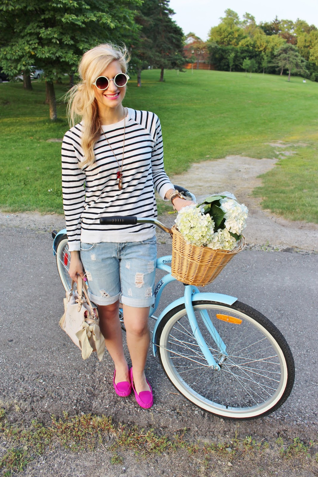 bijuleni-striped top and ripped jean shorts