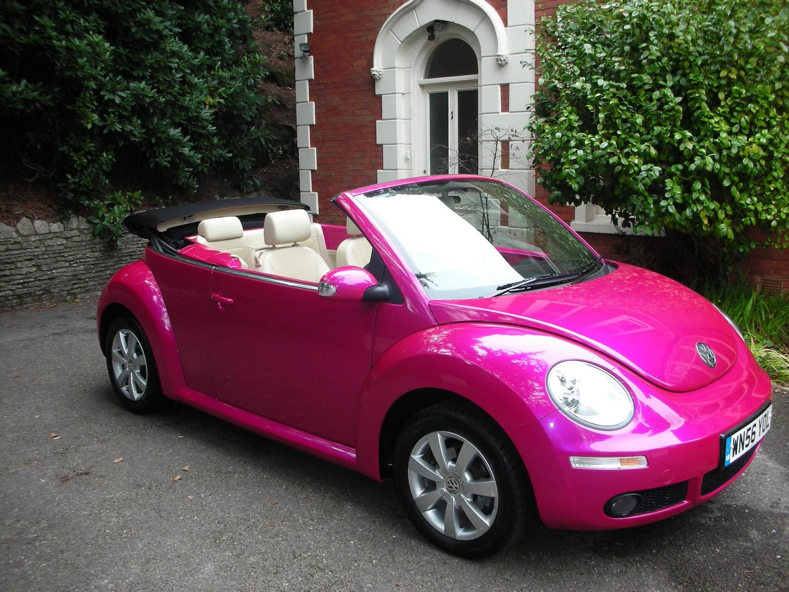 get it in pink everything pink pink volkswagen beetle cars. Black Bedroom Furniture Sets. Home Design Ideas