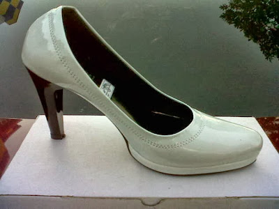 Kategori: Sepatu Wanita Murah