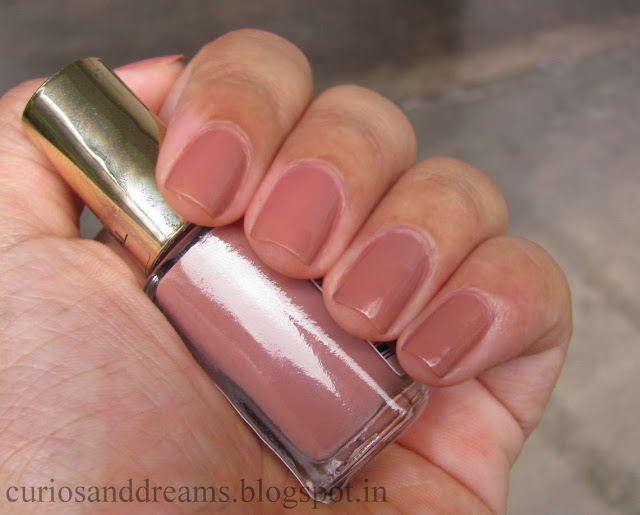 L'Oreal Color Riche Polish Beige Boheme, L'Oreal Color Riche Polish Beige Boheme review, L'Oreal Color Riche Polish Beige Boheme swatch