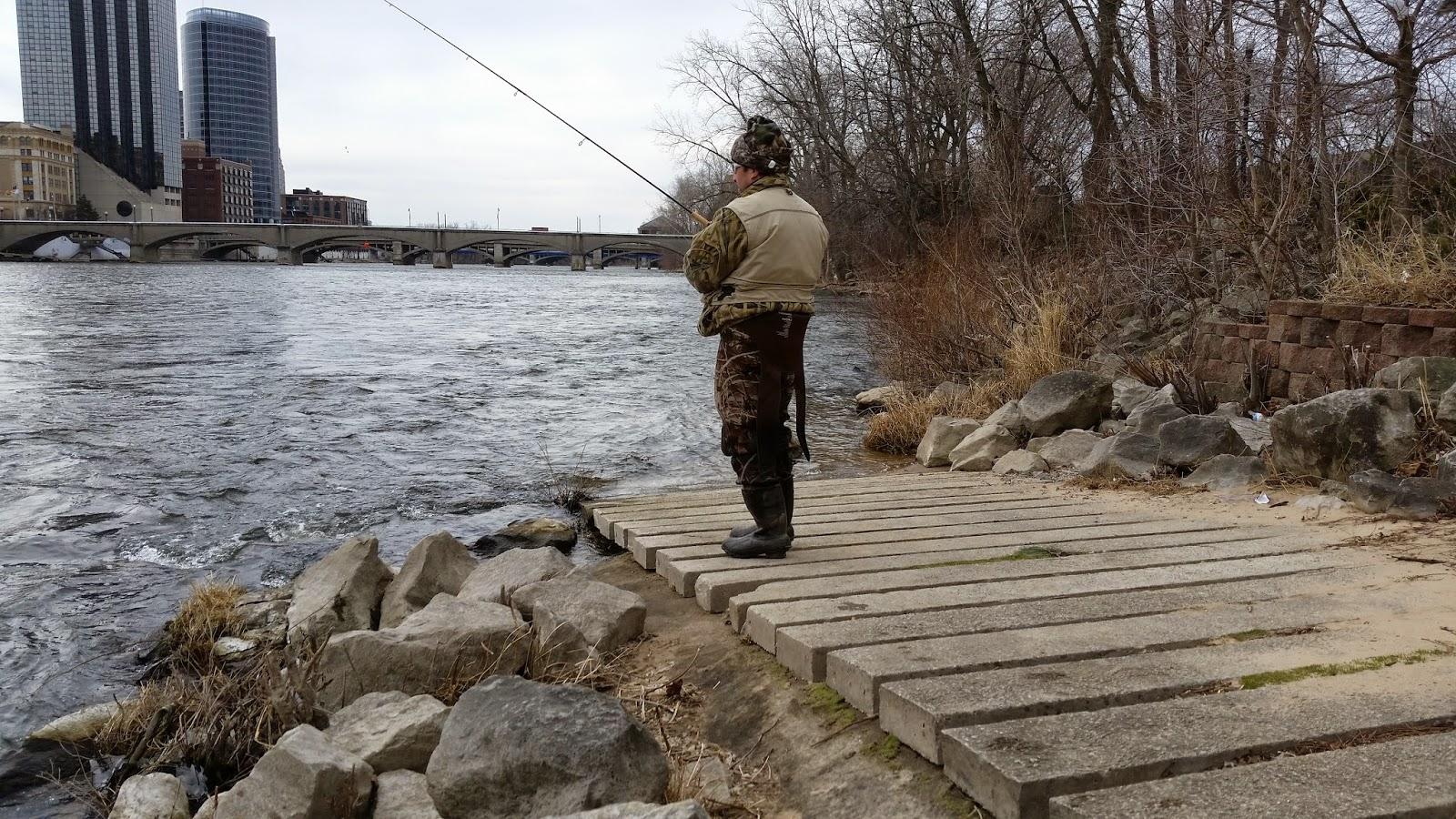Michigan steelhead report grand river 6th street bridge for Grand river fishing