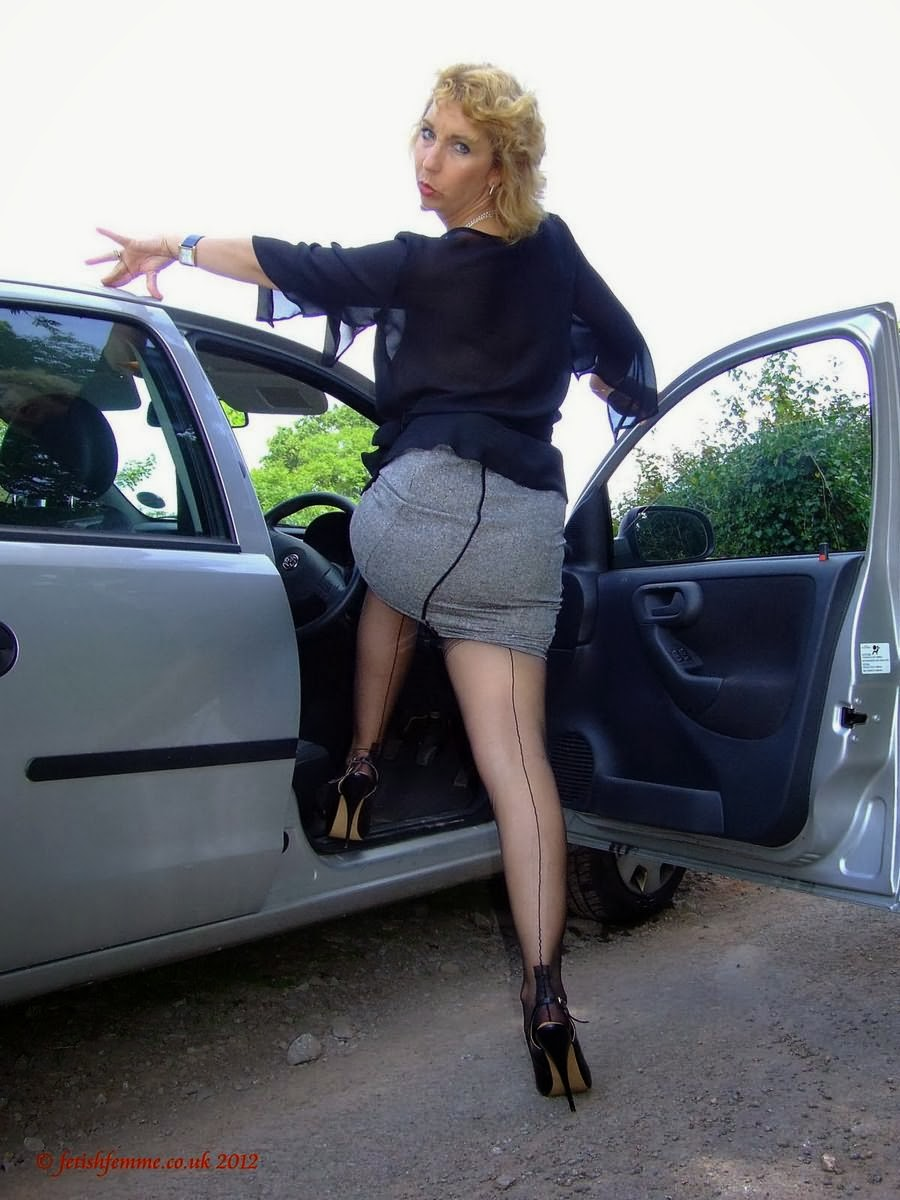 Mature Lovers In Cars Photos 81