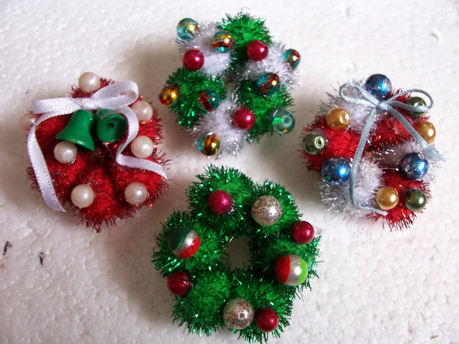 pin glued to the back thats it they make a great gift and they dont cost much so grab a bunch and pass them out to everyone - Christmas Pins