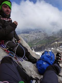 Fernando Calvo Guia de alta montaña UIAGM escaladas al naranjo Picu urriellu amistad con el diablo