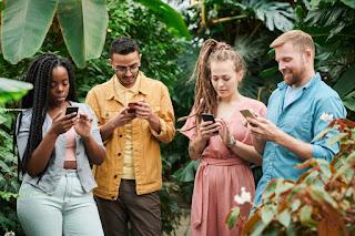 2020'de Alışveriş için Mobil E-Ticaret Uygulamalarını  %44 daha fazla kullandık.
